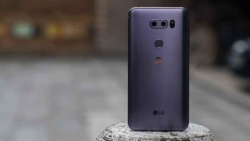 LG V30 in Purple