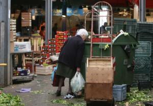 Istat: i poveri assoluti raddoppiati con la crisi, ora son cinque milioni