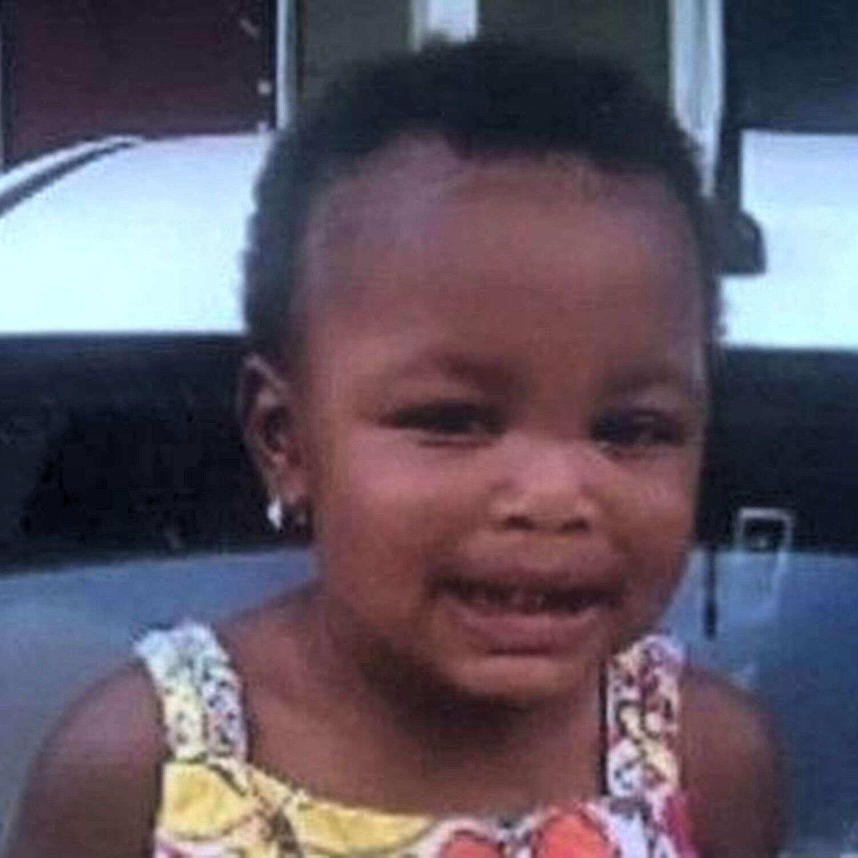 Menino de idades oito anos espanca e mata bebê que não parava de chorar após mães das crianças saírem para boate