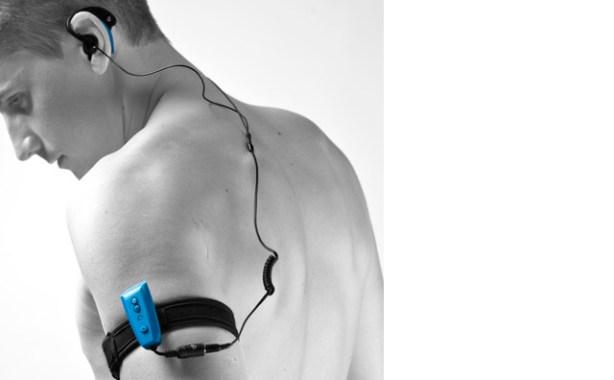LosEnergy MP3 Aquatic 2 vienen con un brazalete de neopreno.