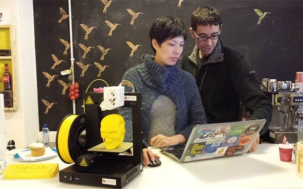 FabCafe de Barcelona con impresoras 3D UP! Plus de EntresD