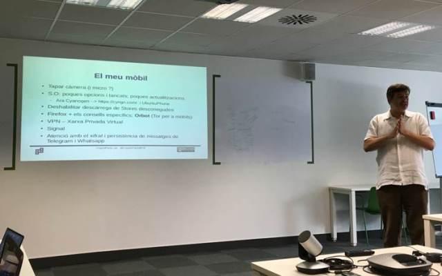 Cryptoparty en Barcelona con Jordi Iparraguirre sobre wifi pública