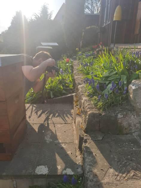 un apicoltore tuttofare: pure fotografo!