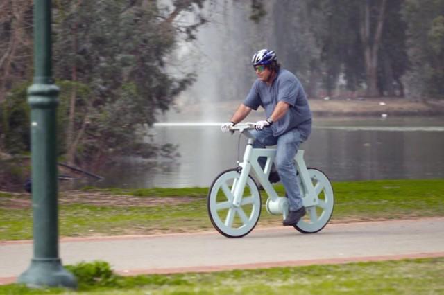 bici-di-cartone-commercio-prezzo-10-dollari-640x426