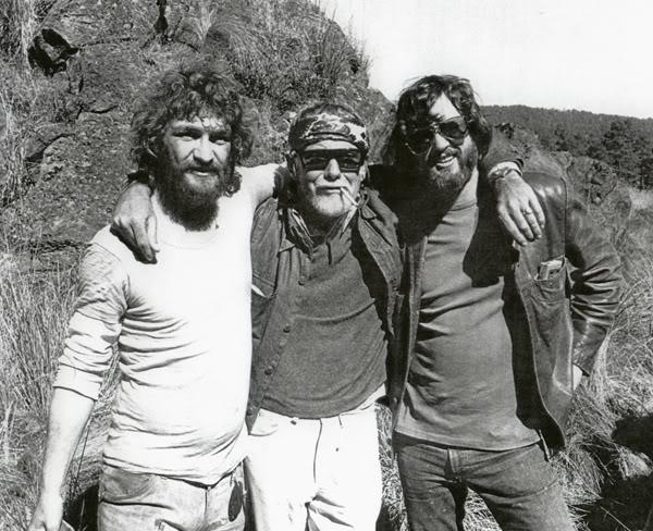 Donnie Fritts, Sam Peckinpah e Kris Kristofferson sul set di Voglio la testa di Garcia (1974)