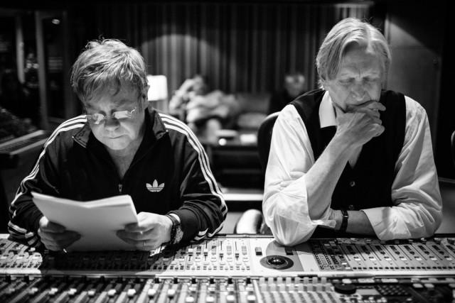 Elton John con T-Bone Burnett