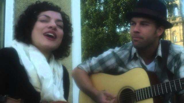 Carrie Rodriguez con il marito e collaboratore Luke Jacobs
