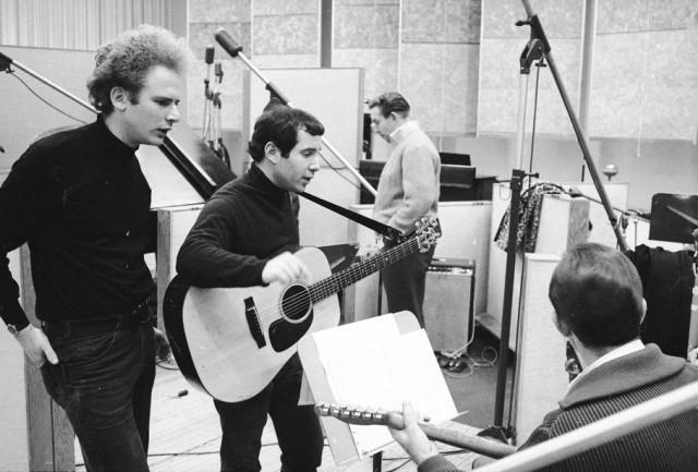 Simon & Garfunkel in studio con Roy Halee negli anni Sessanta