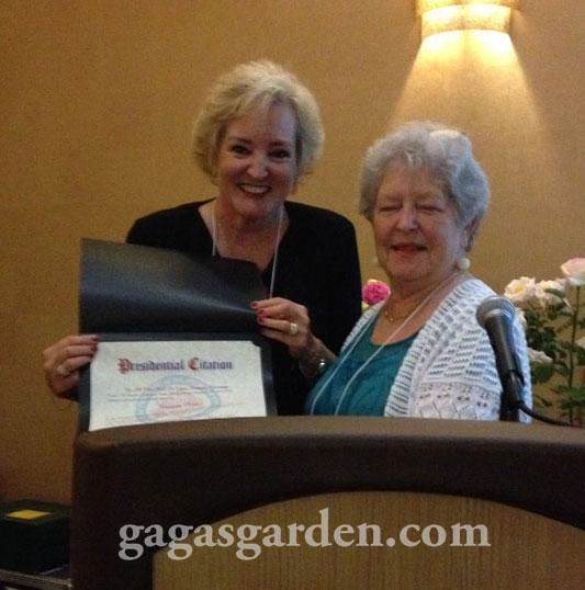 Jolene Adams Awarding Susan Fox the ARS Presidential Citation