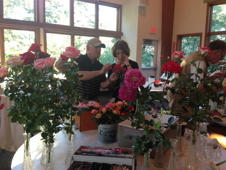 Rose Show Champions Mark and Kathy Nolan