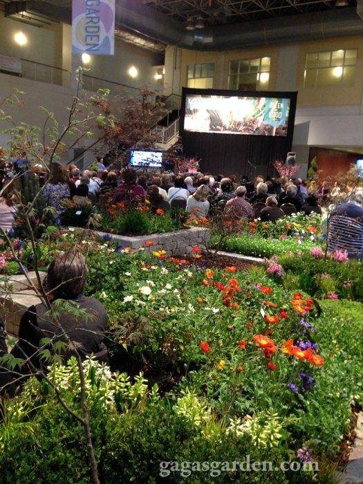 Crowd for John Gidding's Curb Appeal Presentation