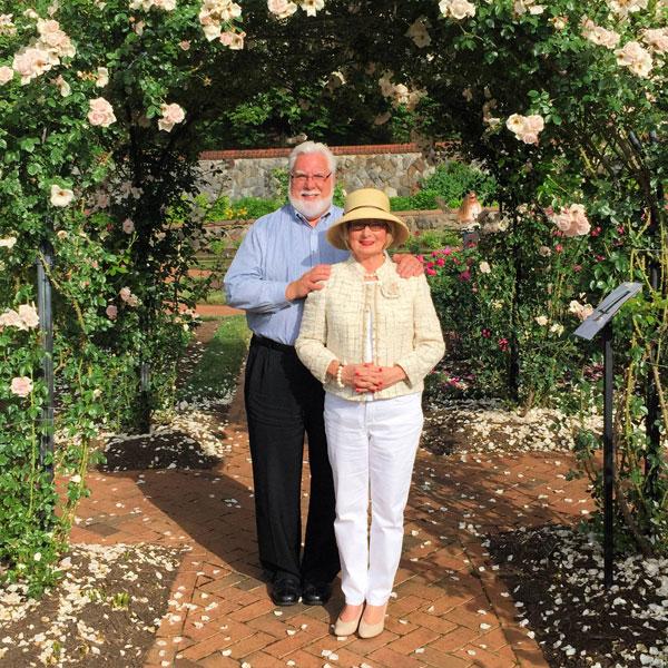 Greg & Teresa Byington of 'A Garden Diary