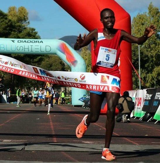 Maratone, razzisti e invidia sociale