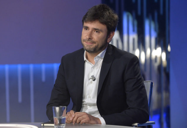"""Alessandro Di Battista dice di Salvini che si è """"montato la testa"""". Se lo dice Di Battista che è un esperto…"""