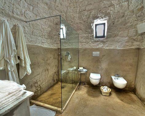 bagno arredato in trullo per Bed&Breakfast