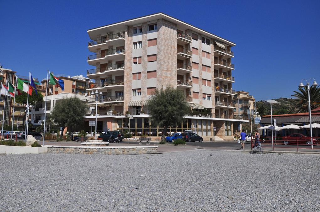 Holiday Apartments in Bordighera Riviera dei Fiori