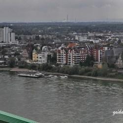 Die Autobahnbrücke in Köln-Rodenkirchen