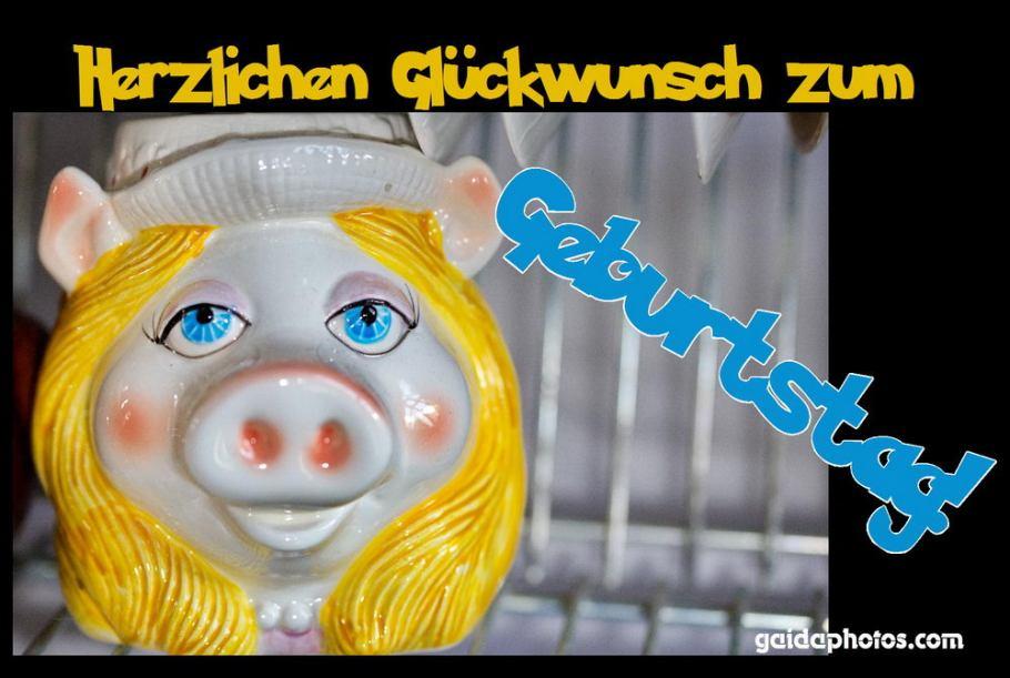 Geburtstagskarte mit Schwein aus Porzellan