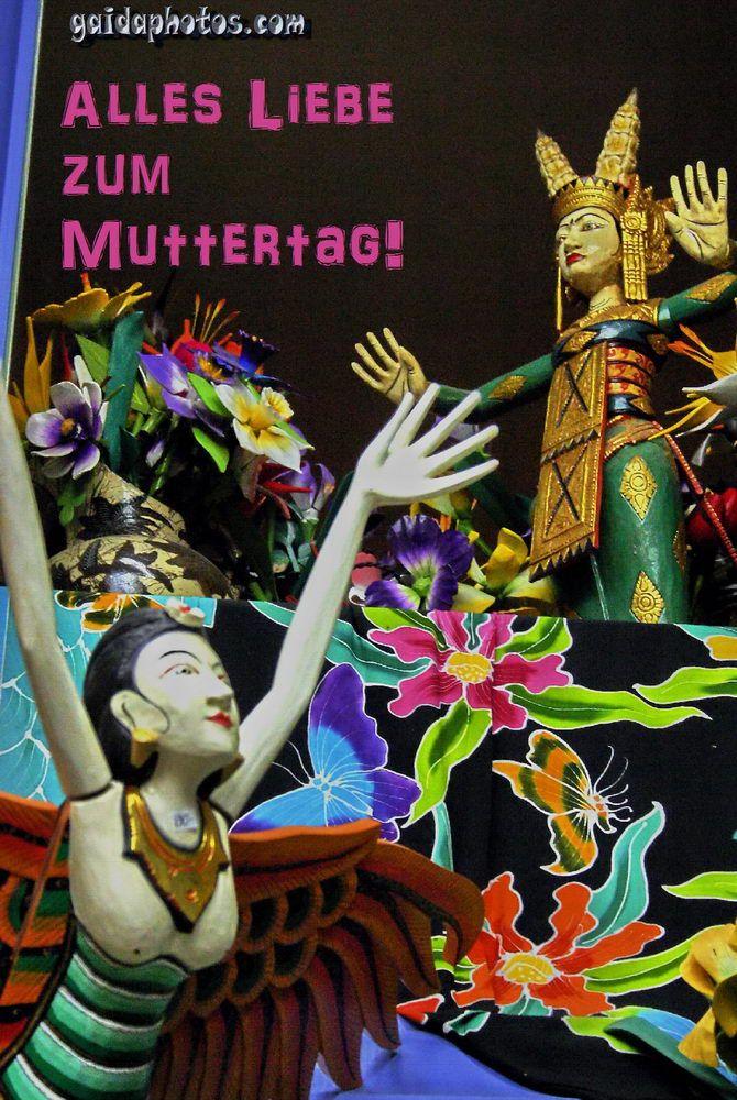 Muttertagskarte, Frau aus Holz, Blumen, Tiere