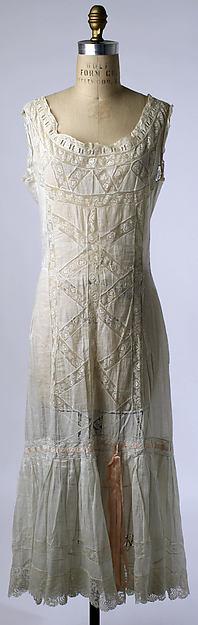 Edwardian ladies' day chemise