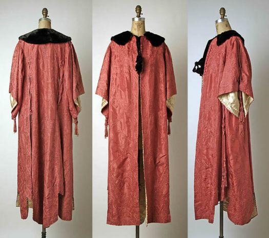 1908 Evening Cloak of silk and fur.