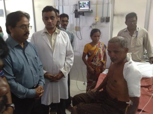 GAIL director interacting with  andhra #gaspipeline incident survivors