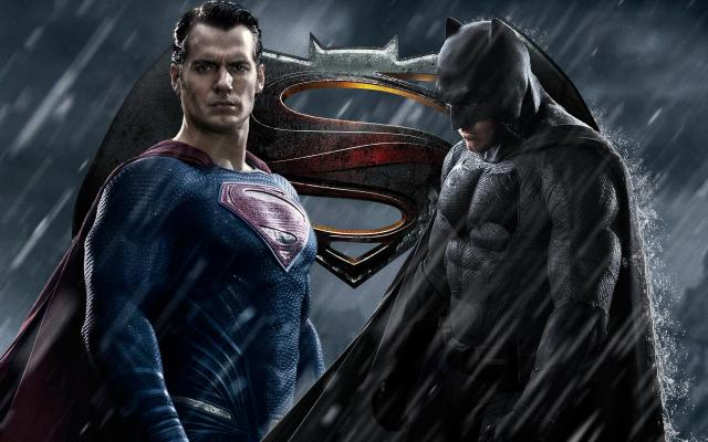"""Batman v Superman: Dawn of Justice"": liberan teaser trailer"