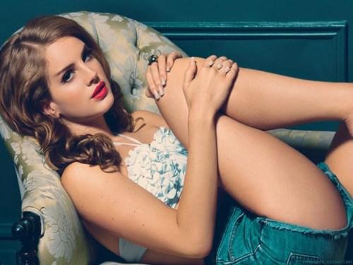 """Lana del Rey lanza """"High by the Beach"""", sencillo de su nuevo disco"""