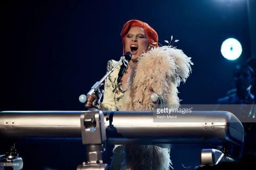 Grammy: Lady Gaga y su tributo a David Bowie