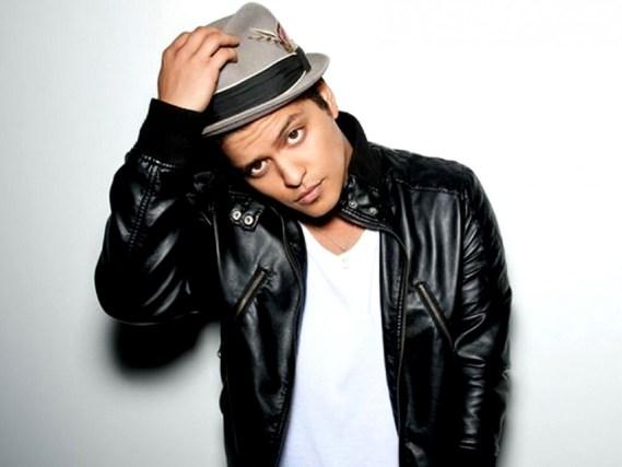 Bruno Mars, Juanes y Lady Gaga estrenan sencillos