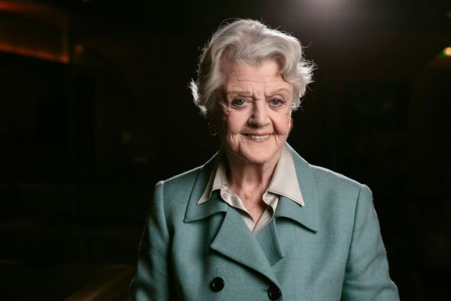 "Angela Lansbury se suma al reparto de ""Mary Poppins Returns"""