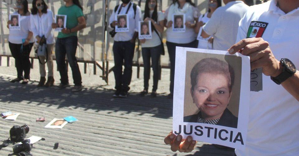"""""""Vomito a periodistas de Chihuahua"""", """"luego no chillen porque los matan"""", publica funcionario en Facebook"""