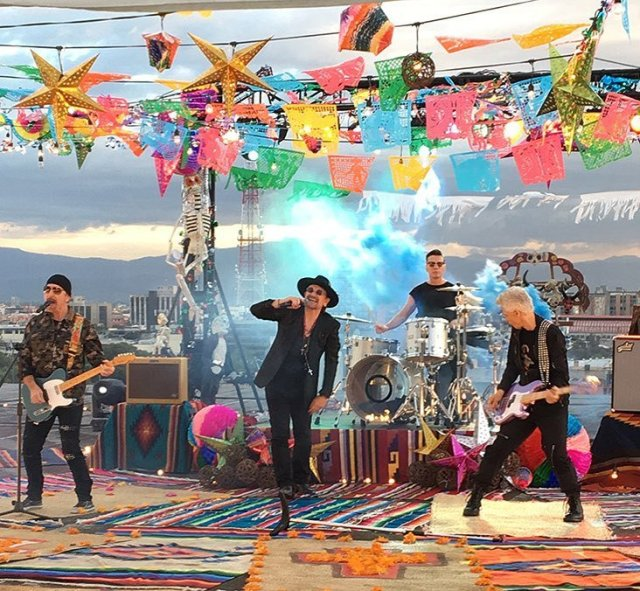 """U2 graba el video de """"Get on your own way"""" en la Ciudad de México"""