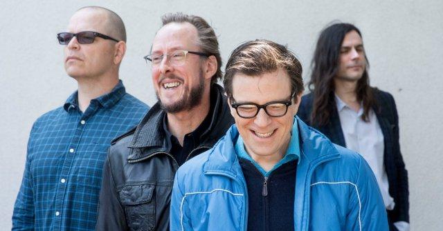 Ponle play: discos nuevos de Weezer, Sabrina Claudio y Midnight Sister