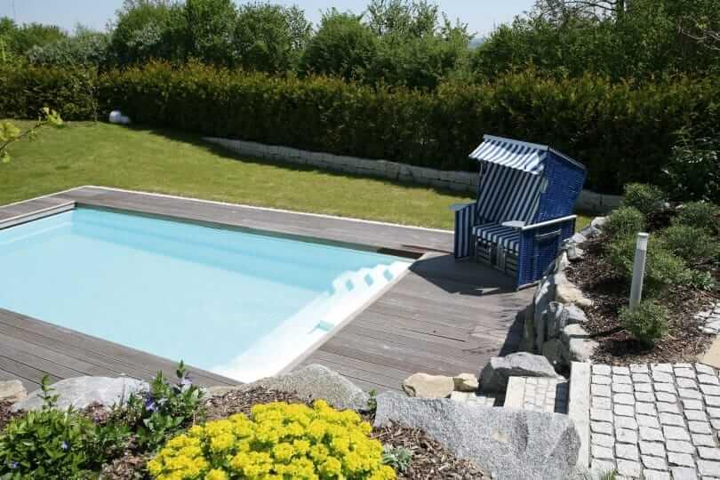 Warum In Die Ferne Reisen Urlaub Zu Hause Kann So Schon Sein Wenn Sie Ihn Im Eigenen Garten Mit Pool Verbringen Konnen