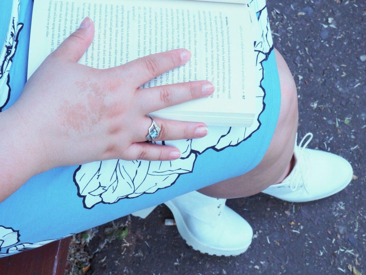 Niebieska sukienka bonprix moda plus size
