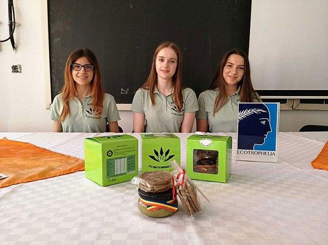 membrii studenți ai echipei care a creat produsul