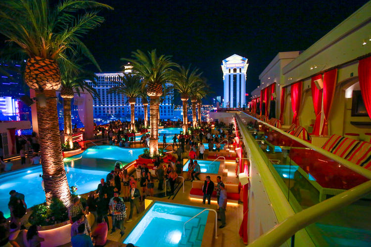 Drais Yacht Club Takes The Night Pool Party To A Whole