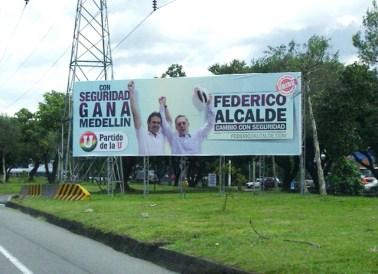 Valla campaña Federico Gutierrez y Álvaro Uribe