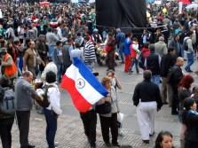 Encapuchado M-19 en manifestación contra destitución de Gustavo Petro