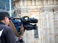 Medios de comunicación en manifestación contra destitución de Gustavo Petro