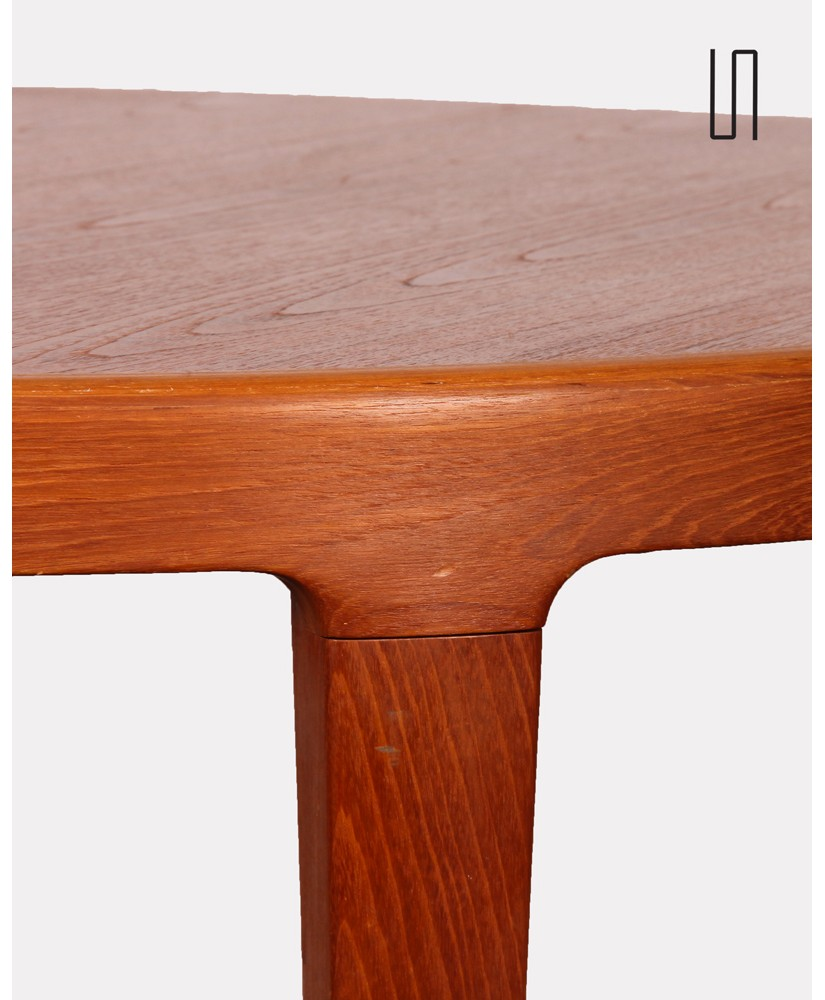 round dining table vintage