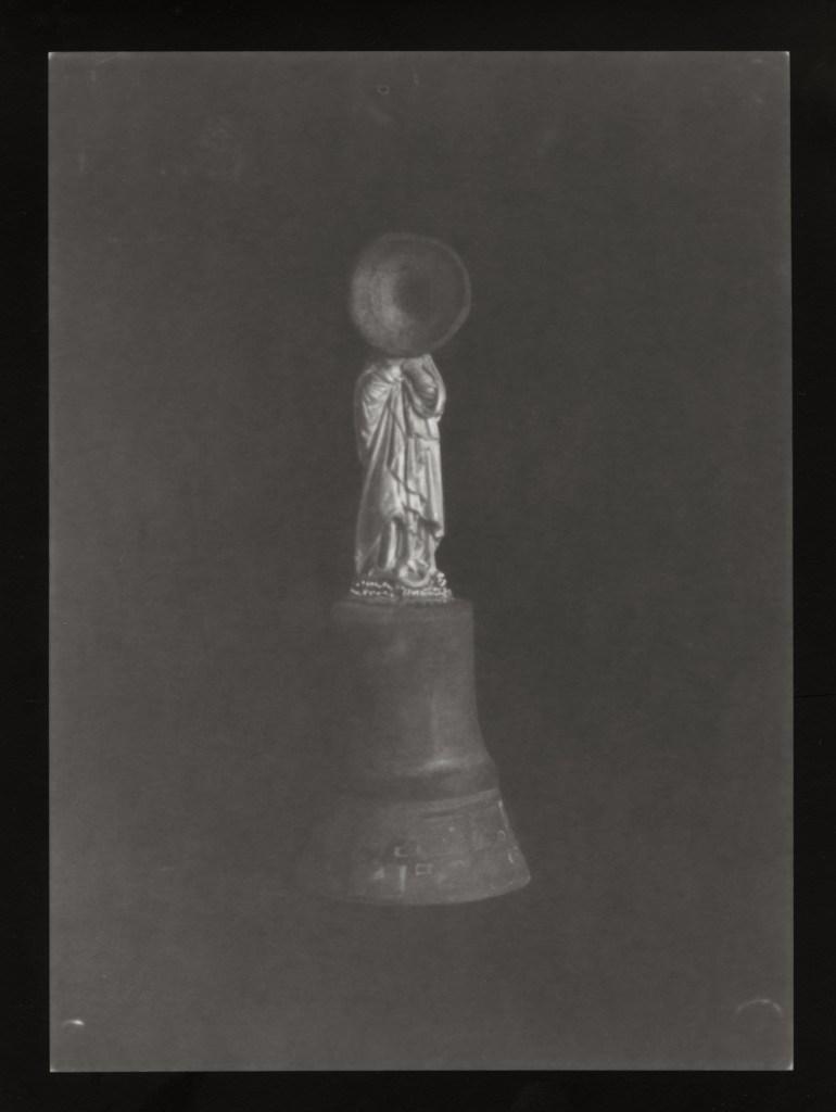 #02 La madone (virage sépia) À Quatre Mains ©Sara Imloul & Nicolas Lefebvre