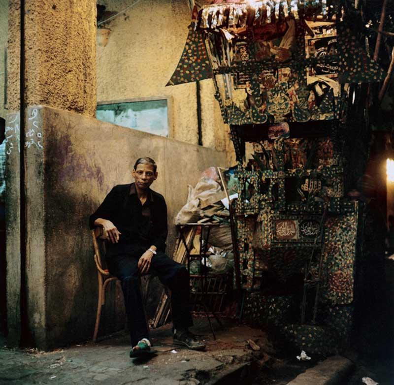 Mohamed devant le sabyle créée par Sousou et Saïd dans la Gamâleyya