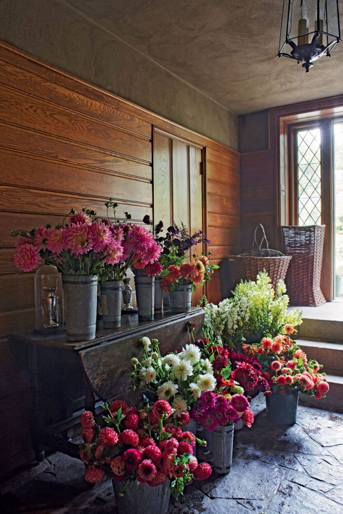 Martha Stewart Shares Her Top Tips For Artful Floral