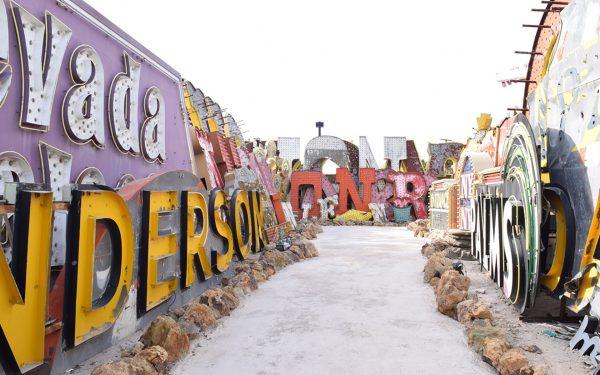Major Tim Burton Exhibition Set Open In Las Vegas - Galerie