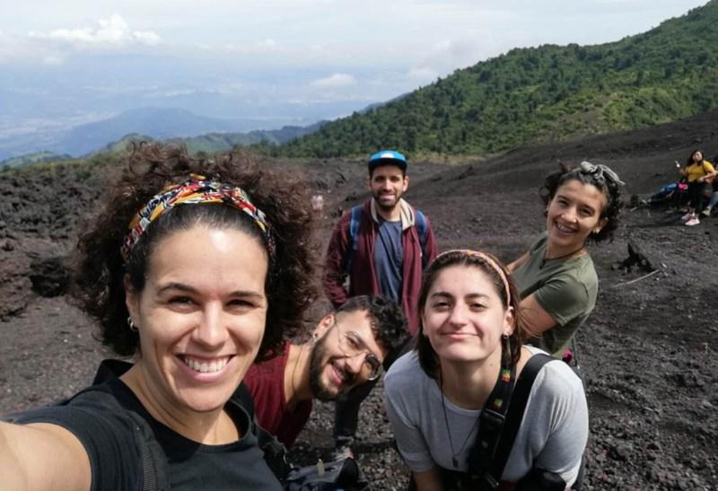 Equipo ASF no volcán Pacaya