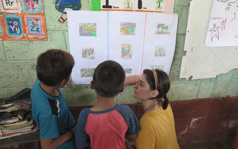 Nenos e nenas nunha actividade do proceso participativo