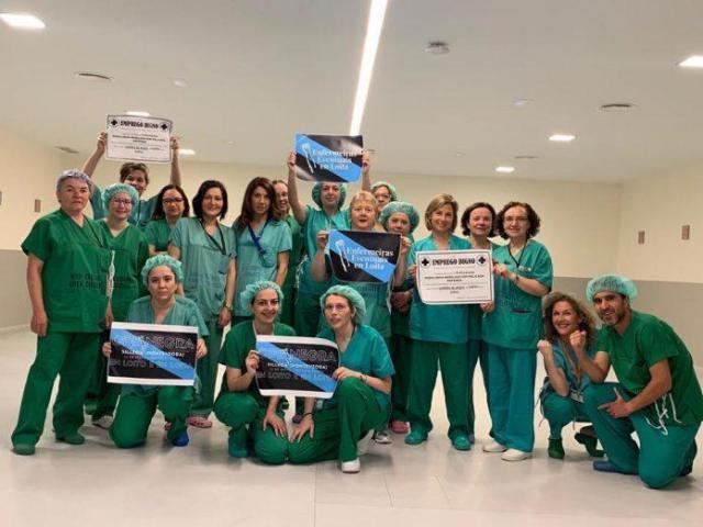 """Critican ao Sergas por """"ocultar datos"""" e aseguran que o 35% das enfermeiras son eventuais"""