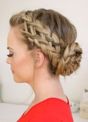 cute & easy bun hairstyles